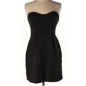Urban Outfitters | little black dress
